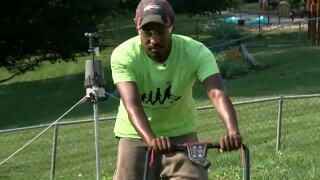 Man stops in Omaha for 50 lawns, 50 states tour