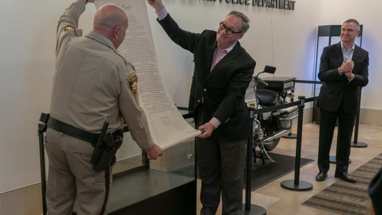 Las Vegas police captain pens 'The Route' poem