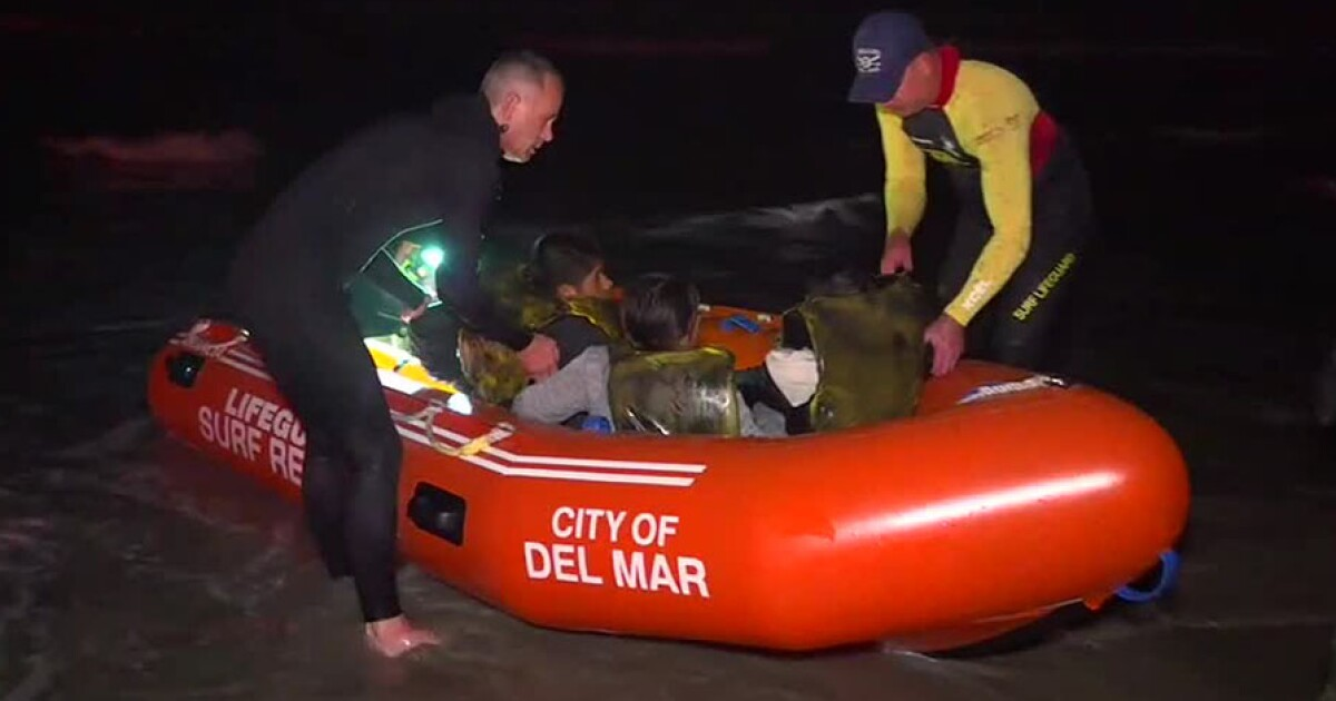 Authorities rescue people calling for help in water off Del Mar