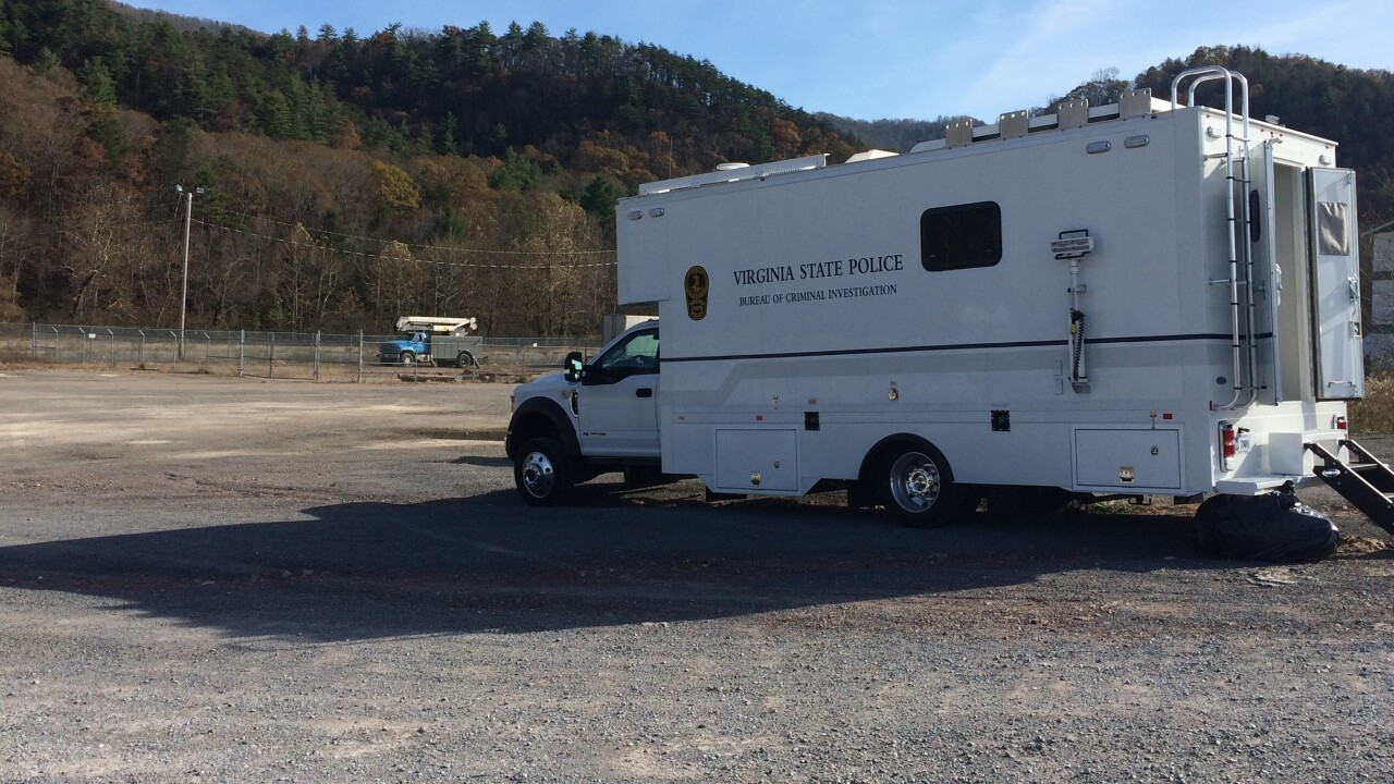 11-5-20 Bland Co - Bastian off I77 at Exit 58 - Remains Located - VSP Crime Scene Vehicle.JPG