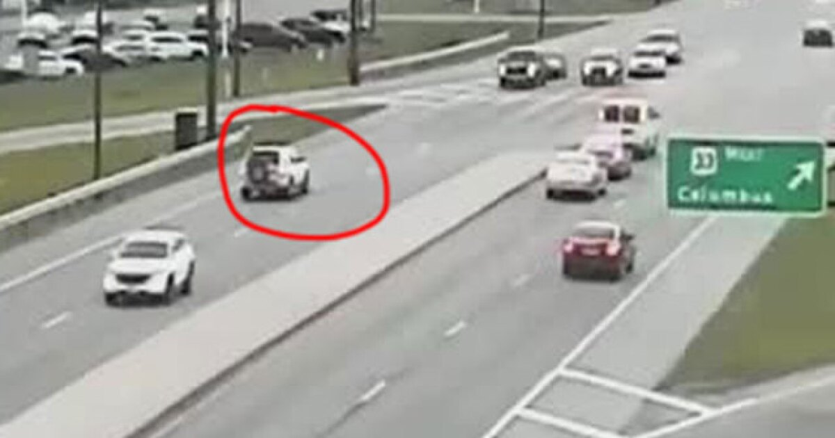 Crazy video shows SUV driving backwards on busy Ohio highway