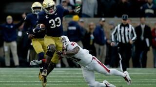 No. 9 Notre Dame wears down No. 14 behind Adams and Love
