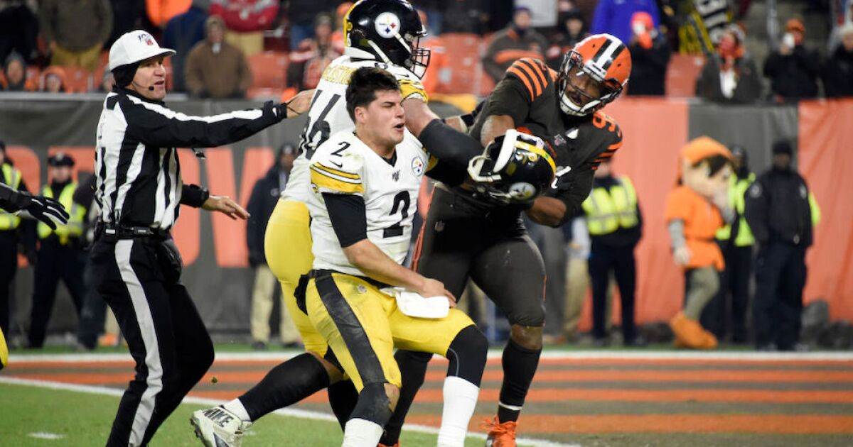 Browns player who swung helmet at Steelers QB suspended ...