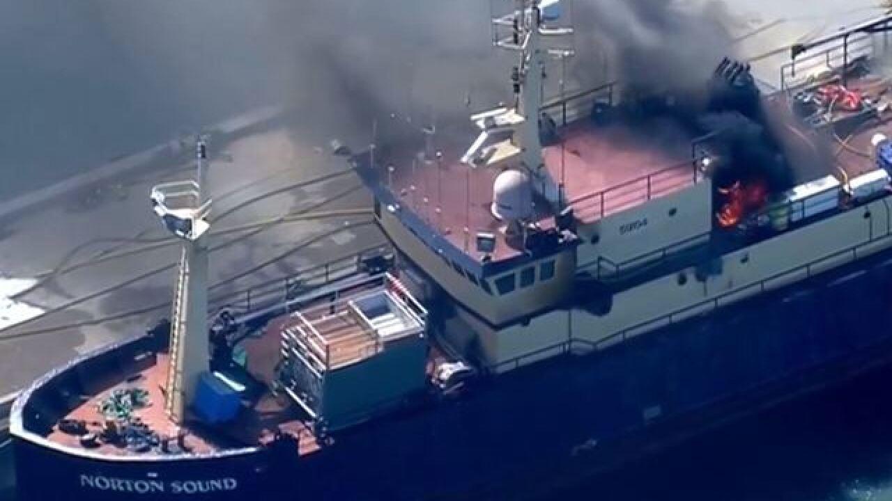 2-alarm fire breaks out on boat in San Diego Bay