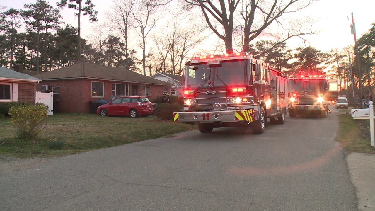 Two displaced in Virginia Beach house fire