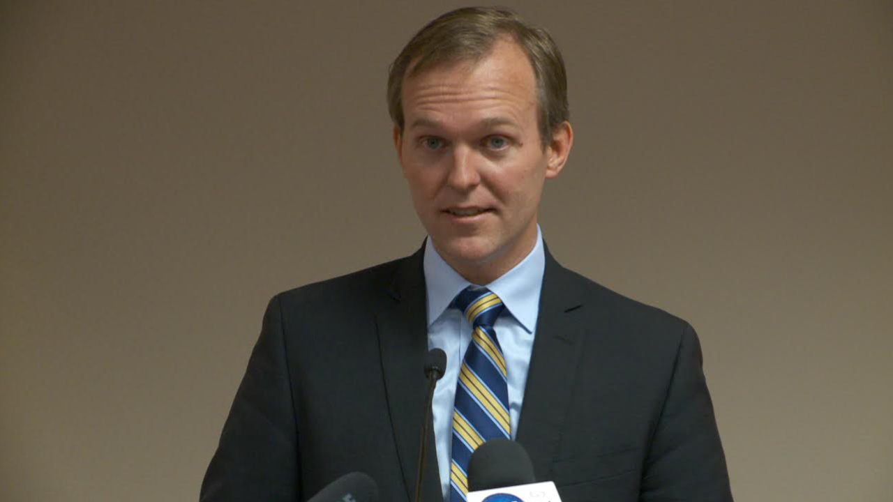 McAdams, Stewart support bill to increase federal student loan transparency