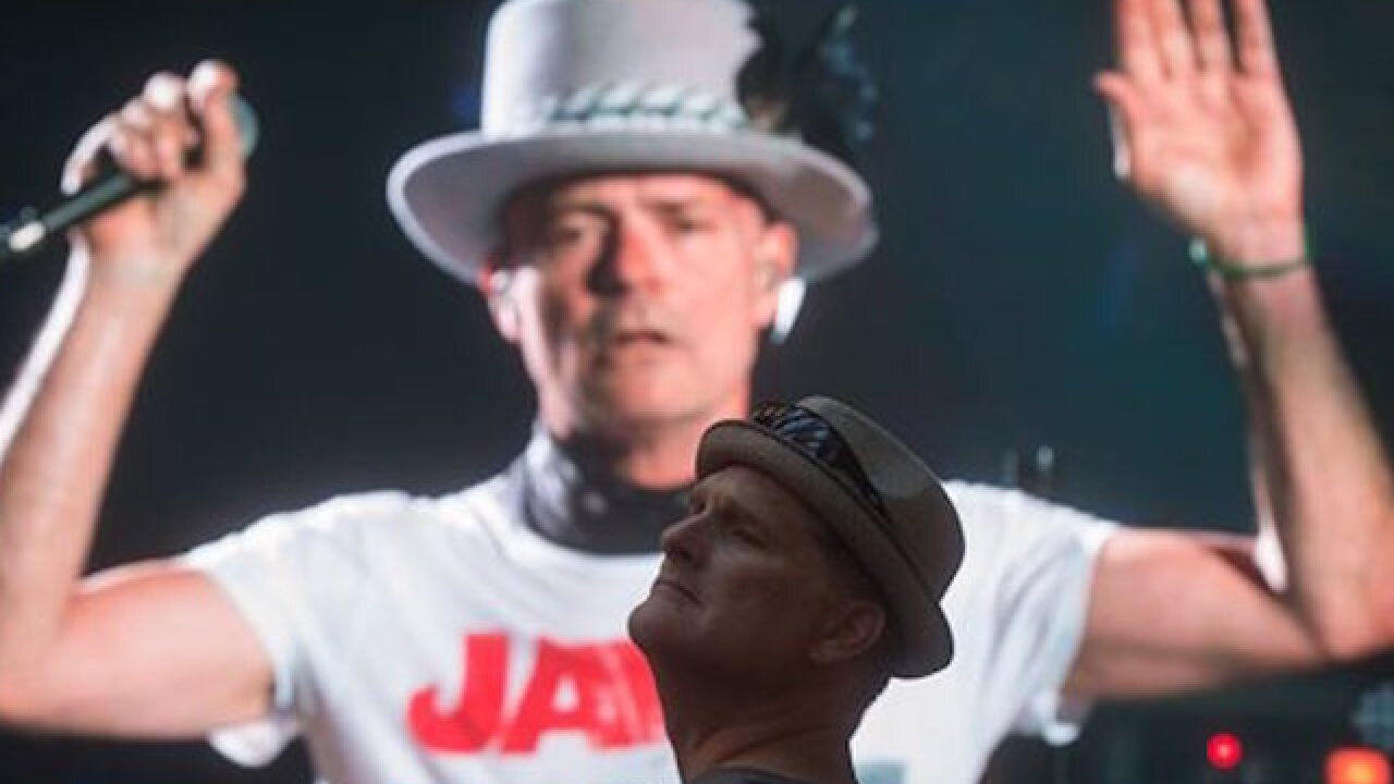 Canadians bid adieu to band Tragically Hip whose singer is dying