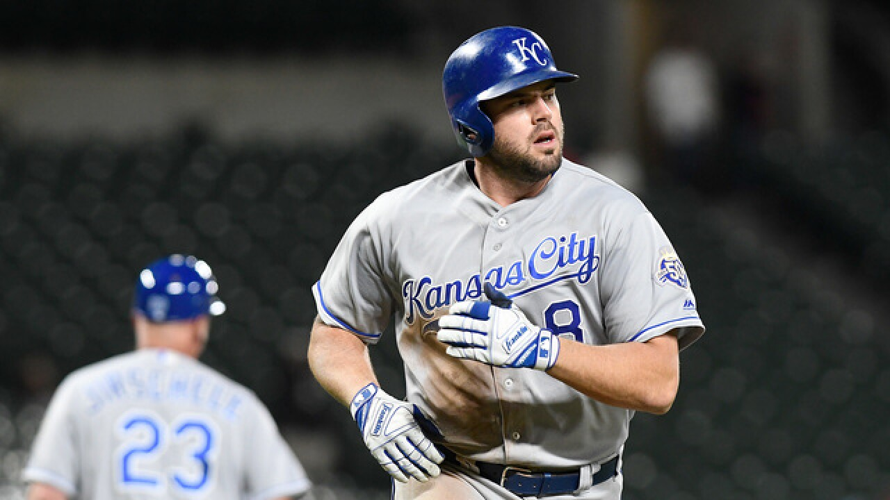 Royals break out with five home runs and a season-high 15 runs in win