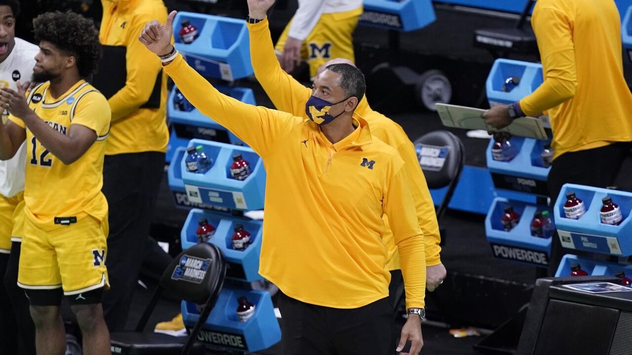 Juwan Howard NCAA LSU Michigan Basketball