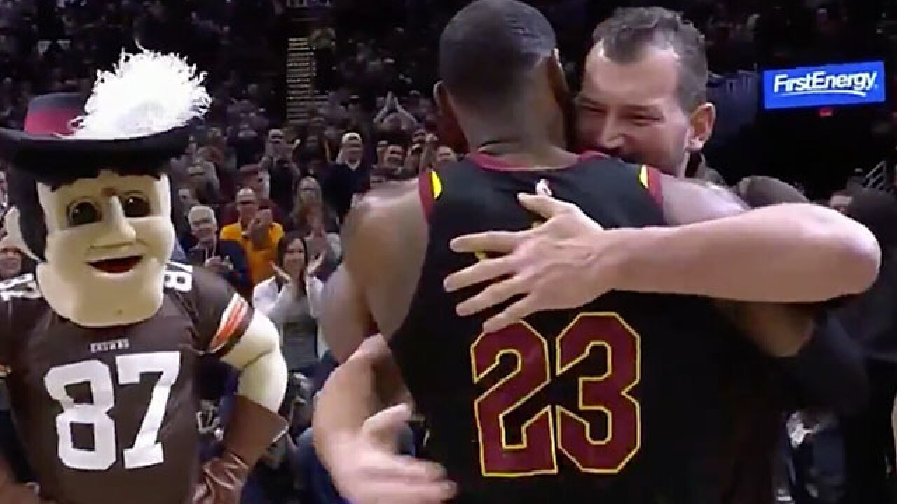 Cleveland legends LeBron James and Joe Thomas share a special moment on the sidelines