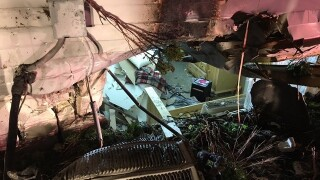 Car crashes into Glendale home during police chase
