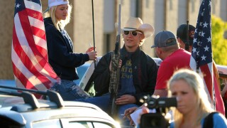 """Peaceful demonstrators """"come to an agreement"""" with armed group in Missoula protests"""