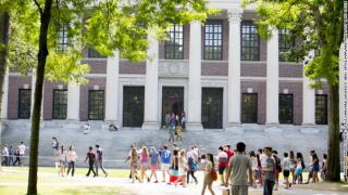 Harvard to welcome back 40% of students, offer all courses online