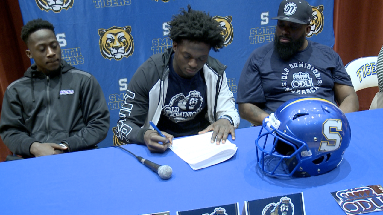 757 football players sign Letters of Intent during early signing period