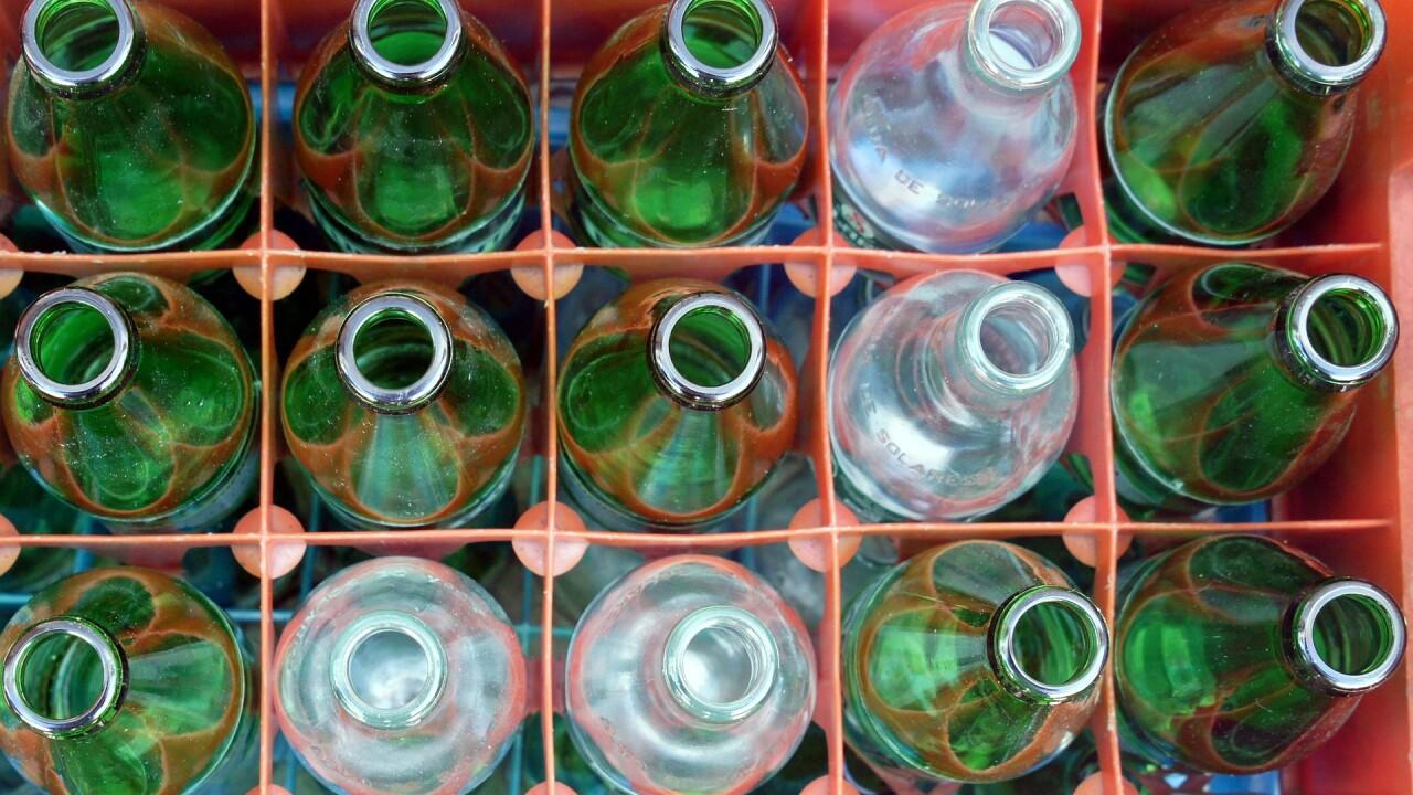 bottle-333041_1920.jpg