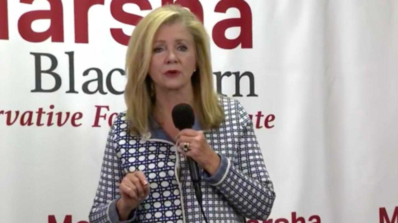 Blackburn campaigns across Tennessee in last-minute push