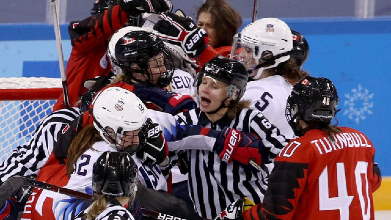 Things get chippy in U.S.-Canada hockey game