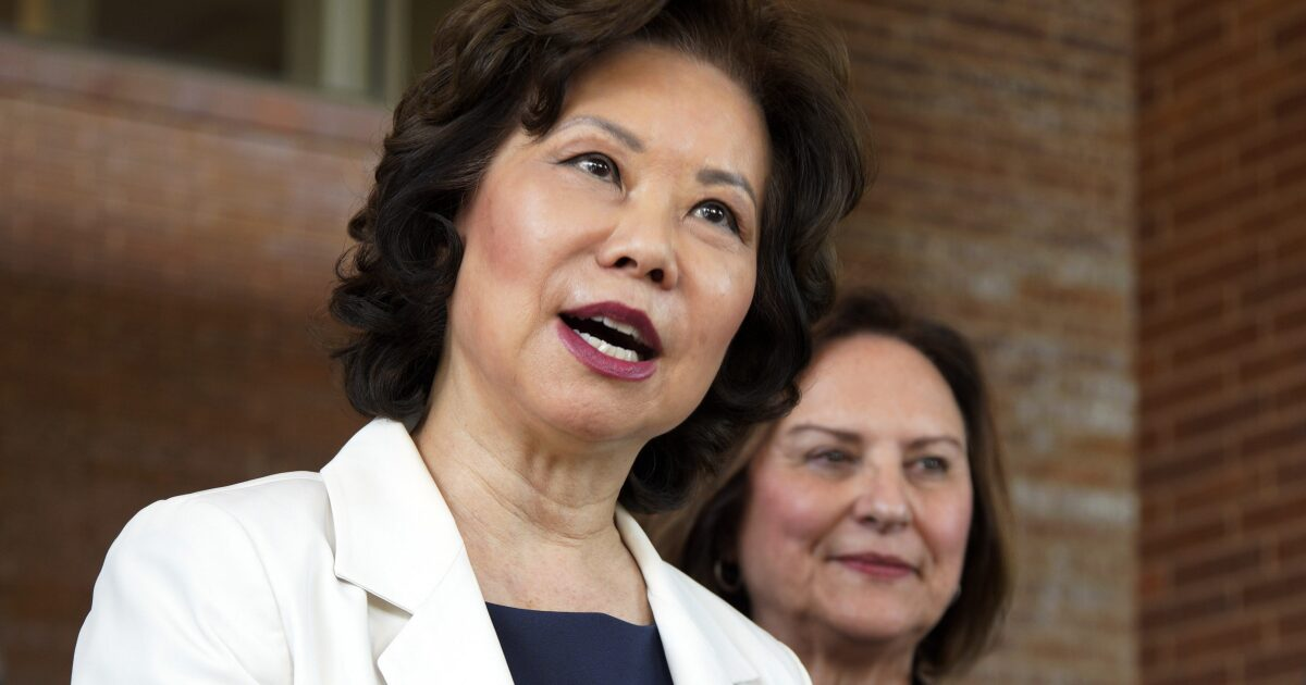 Elaine Chao, wife of Sen. Mitch McConnell, resigns from ...