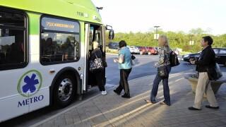 WCPO_cincinnati_metro_bus_riders_1465903057191_40228518_ver1.0_640_480.jpg