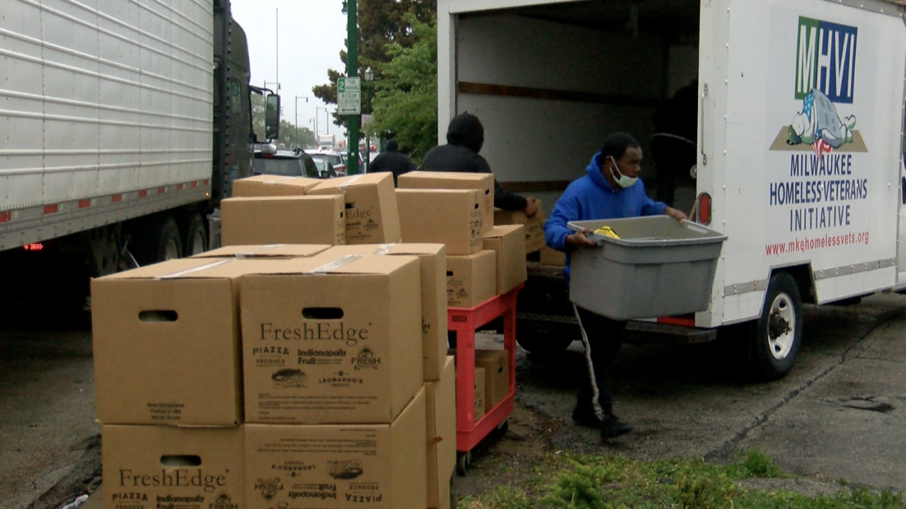 Milwaukee Homeless Veterans Initiative food distribution