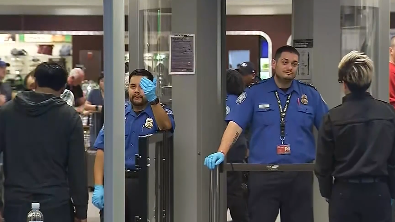 More TSA agents call in sick as week 3 of shutdown takes its toll on workers