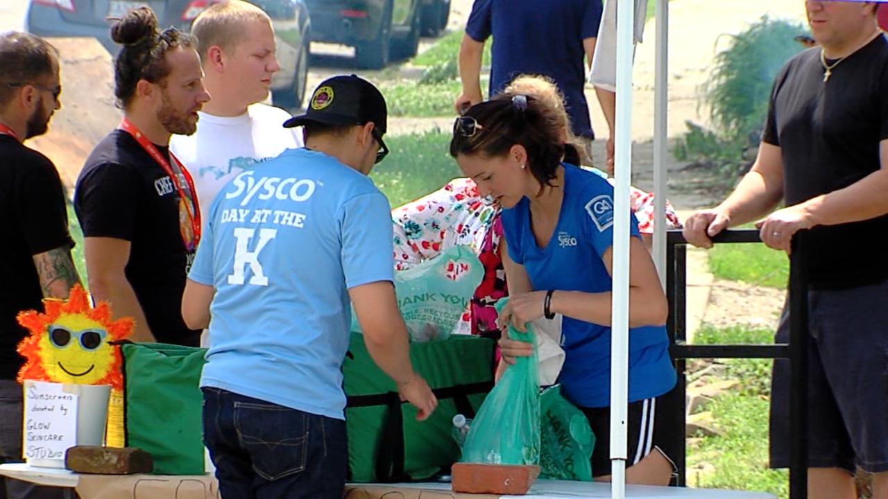 Kansas City business volunteer Jefferson City tornado.jpg