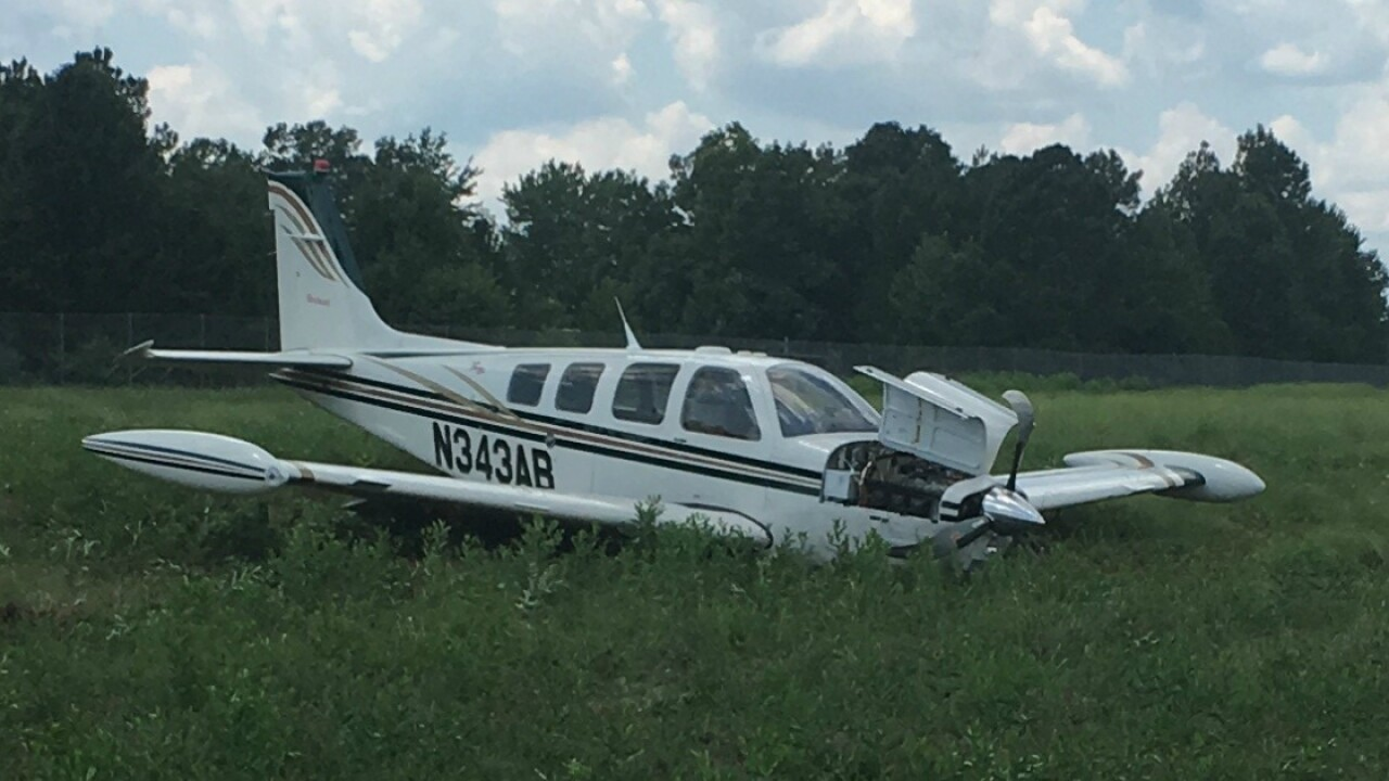Small plane crashes, closes runway at Chesterfield airport