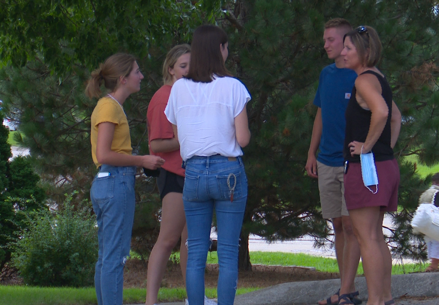 Freshman move-in day is here for UWGB students