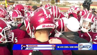 Muskegon fights through adversity to advance to fourth straight state championship