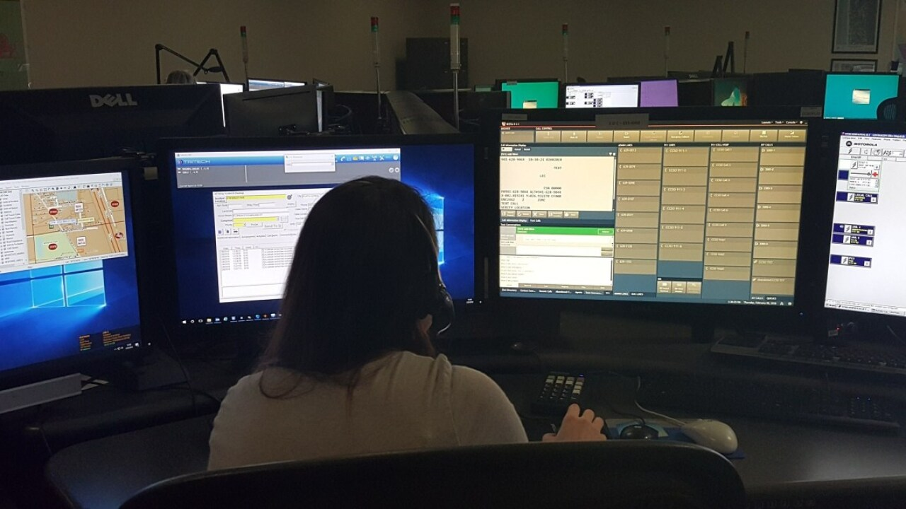 911 dispatcher.jpg