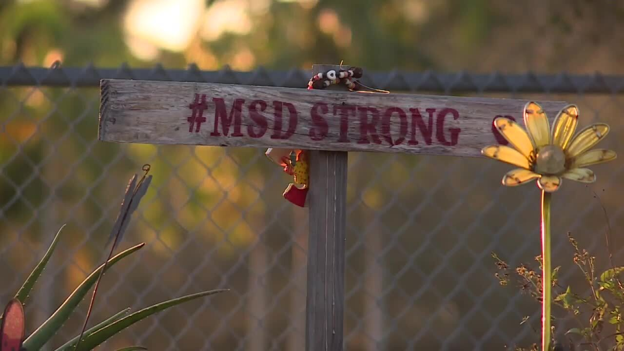 '#MSD Strong' scrawled on makeshift cross at Marjory Stoneman Douglas High School in 2021