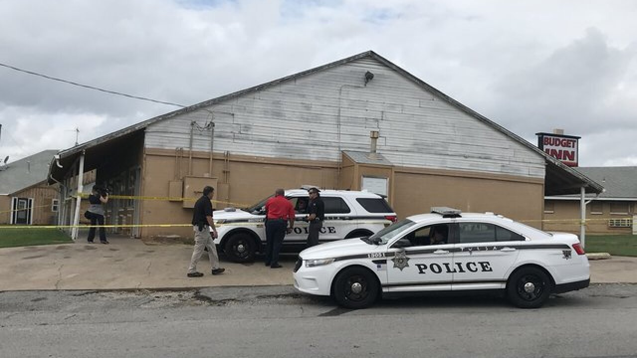 Man's body found at motel in west Tulsa