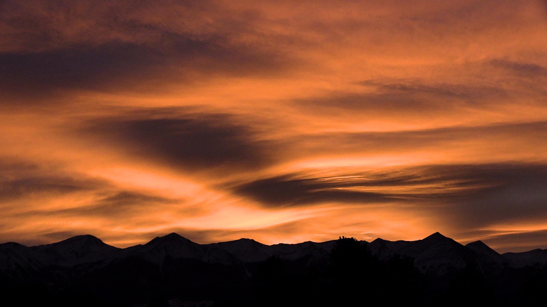 Wet Mountain Sunset Joe Schanzer.jpg
