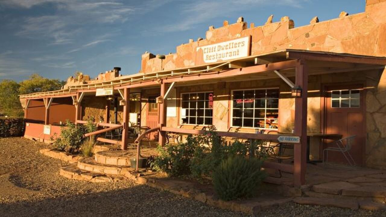 This restaurant is located in the middle of nowhere in Arizona