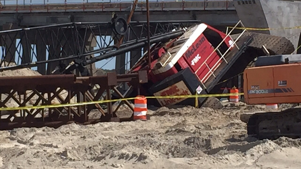 Lesner Bridge crane removed after collapse in VirginiaBeach