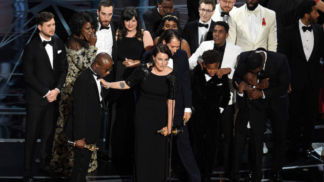 Moonlight' wins best picture at 89th Oscars