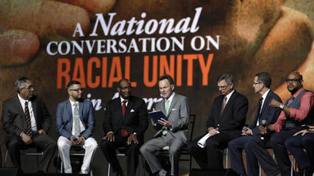 Southern Baptists oppose Confederate flag, talk racial unity