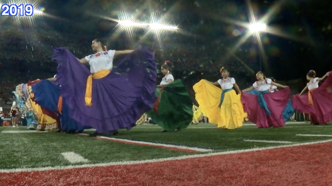 Folklórico dancers at University of Arizona football game