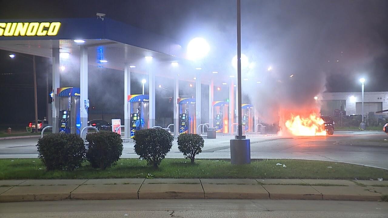 E55 gas station car fire.jpg