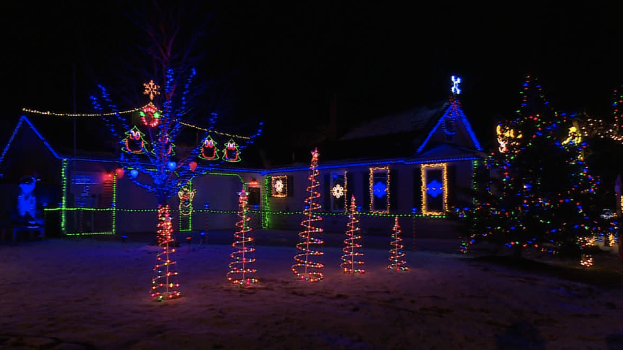 Christmas light display in Comstock Park.png