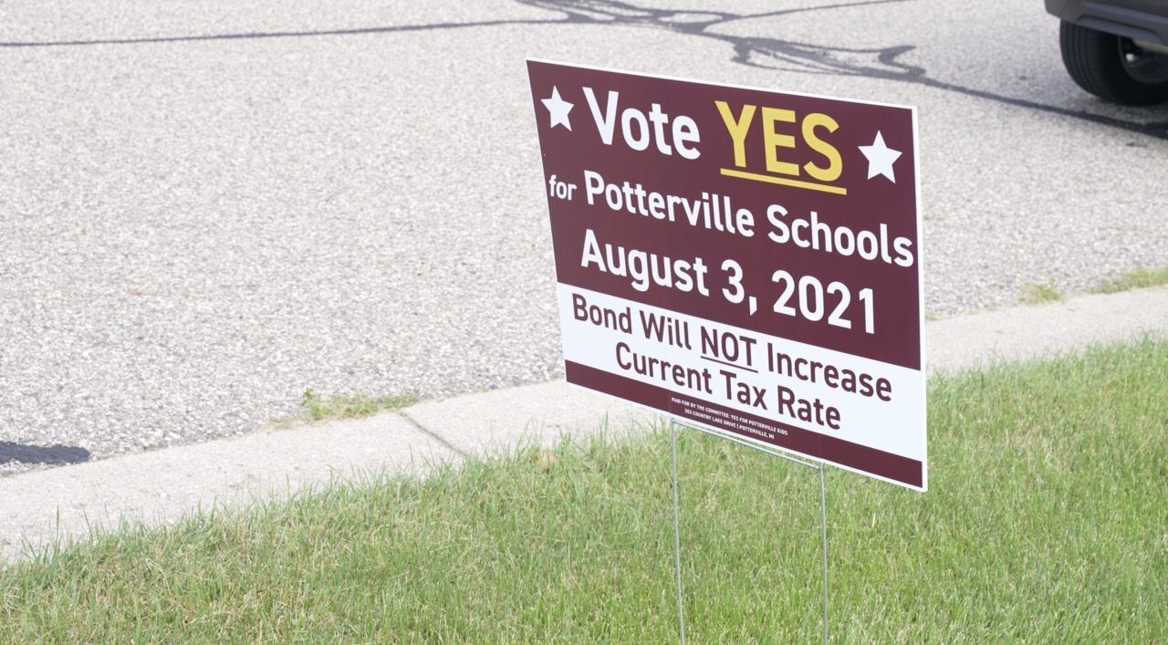 Vote Yes signs