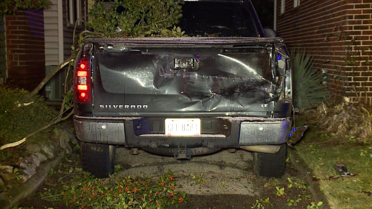 Akron car into house 3.jpg