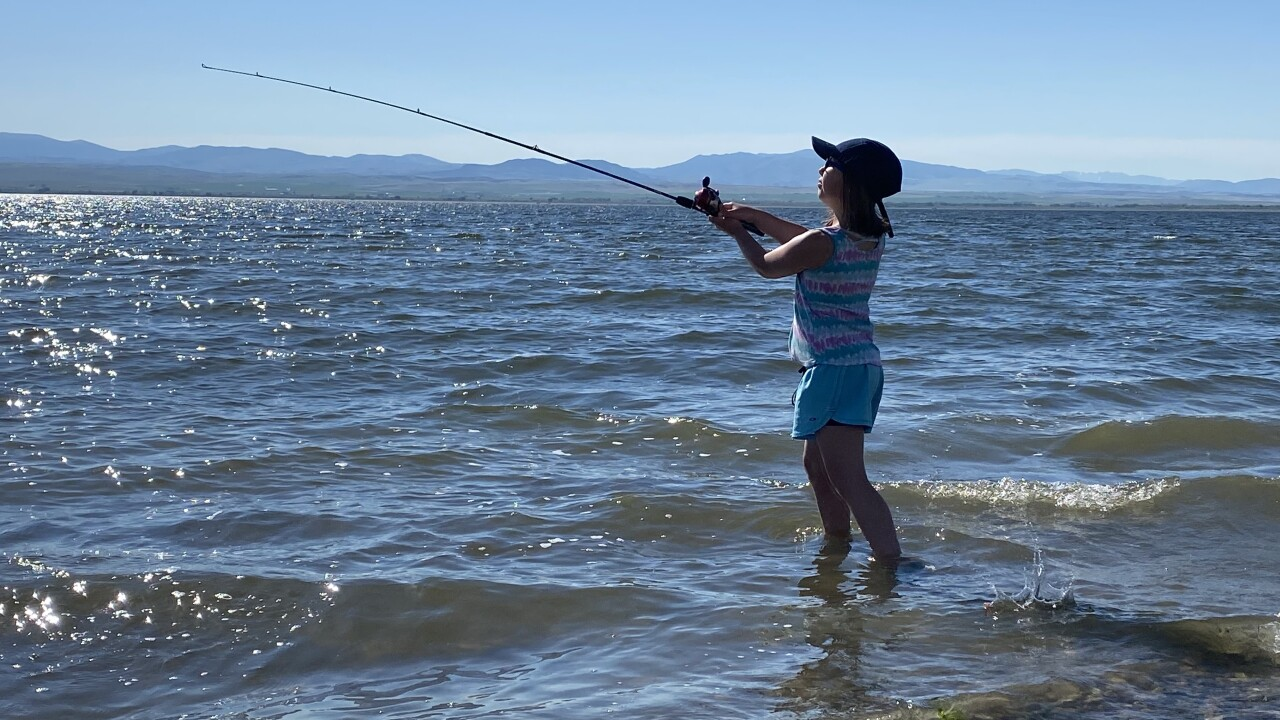 Bureau of Reclamation and Walleyes Unlimited team up to teach kids to fish