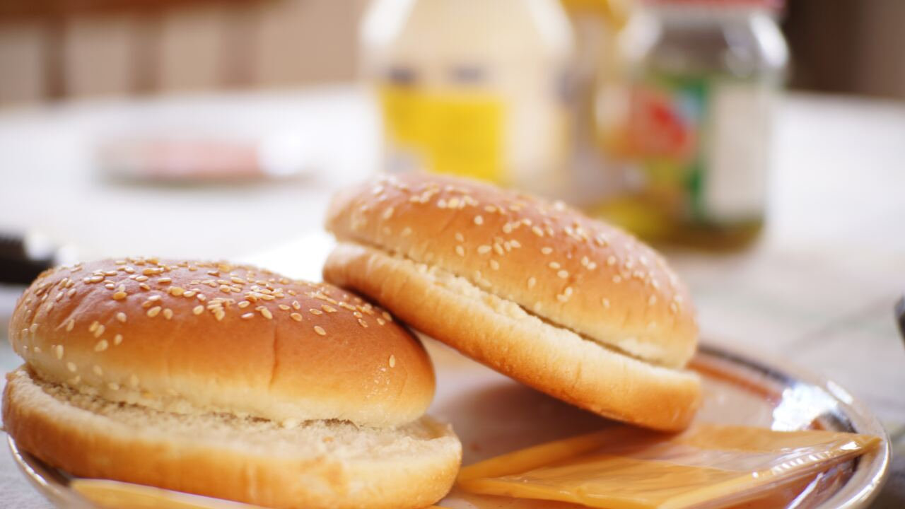 Hot dog and hamburger buns sold in 18 states voluntarily recalled due to possible choking hazard