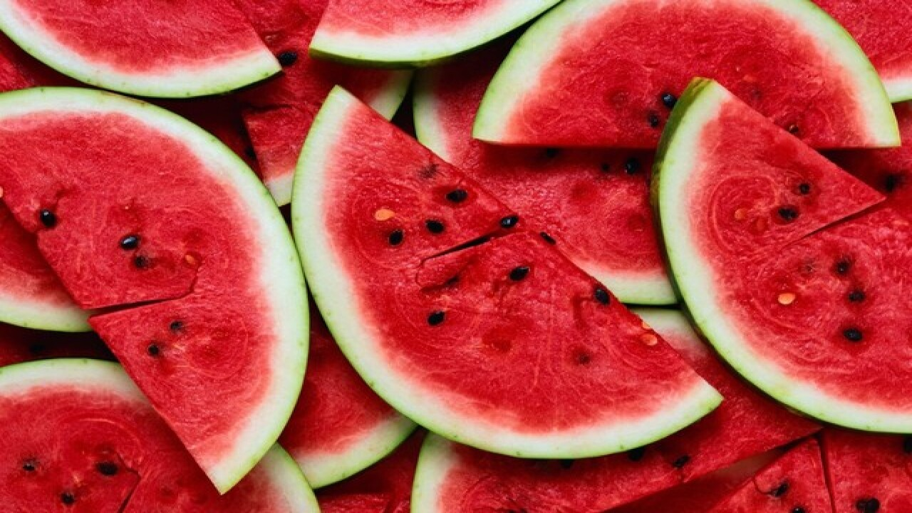 Will It Work: Testing out this watermelon slicer