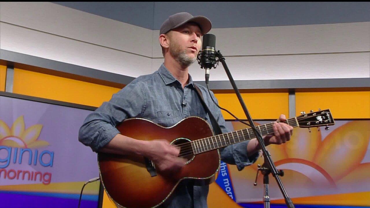 Kris Scott brings acoustic sounds to thestudio