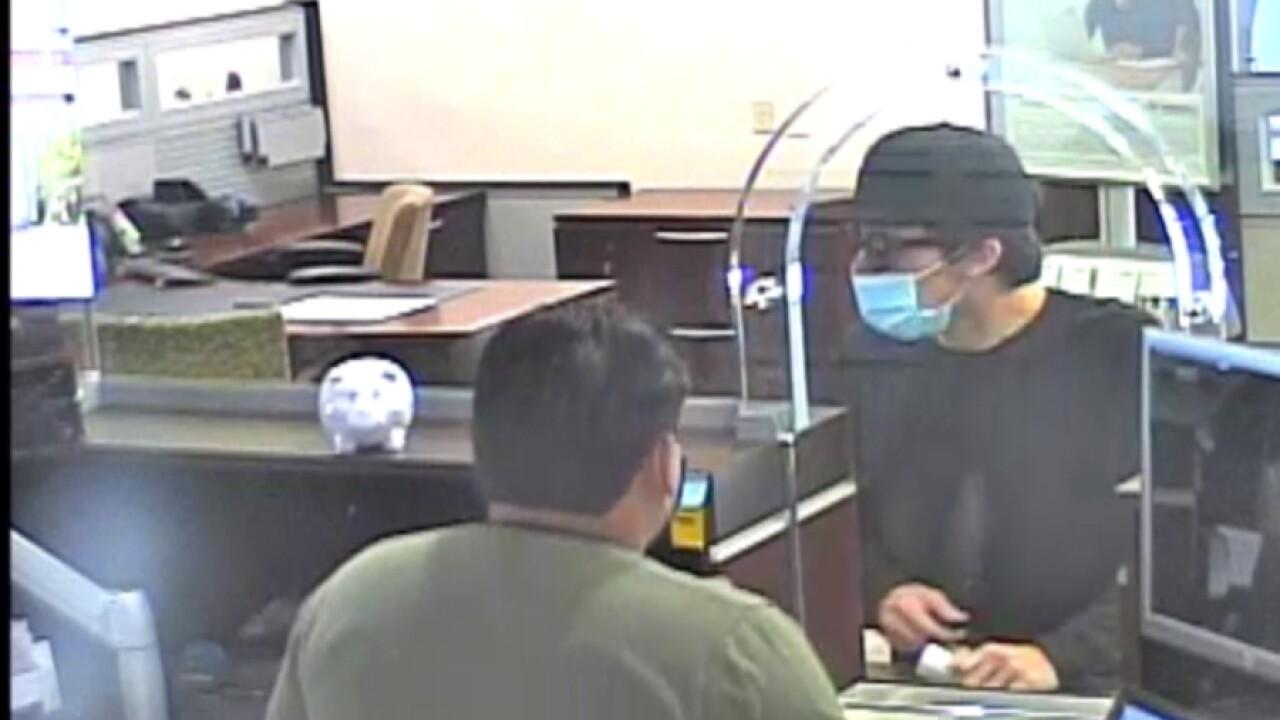 carlsbad_bank_robbery1_100120.jpg