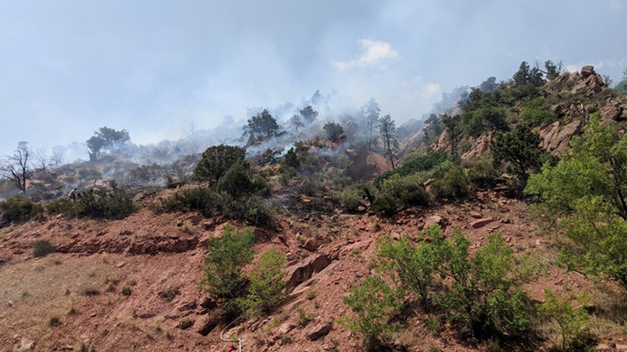 Firefighters get a handle on fire burning near Glenwood Springs