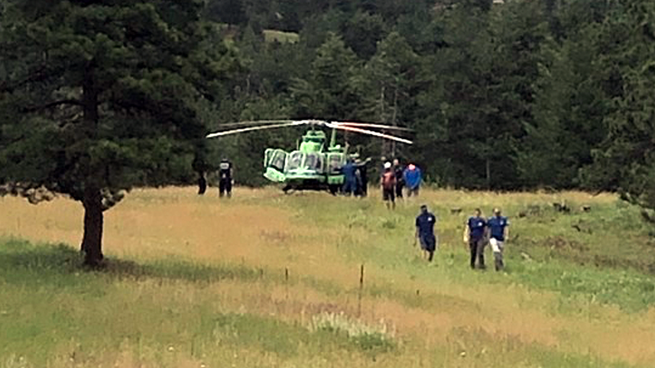 Husband dies after being struck by lightning while hiking in Colorado