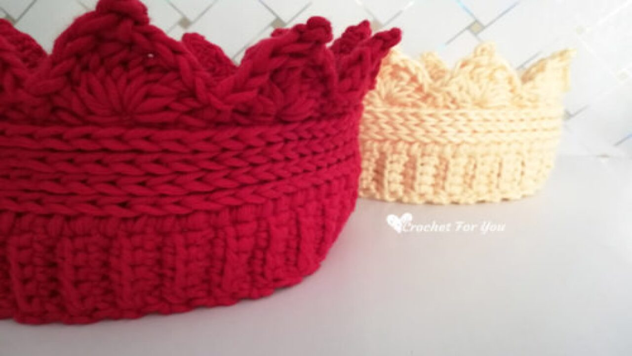 Here's A Free Crochet Pattern For A Cute Crown Ear Warmer